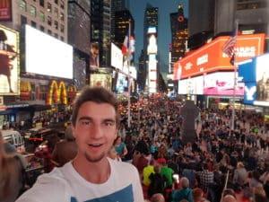 stavovei-iustinian-new-york-times-square